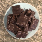 Chokladdoppat tunnbröd