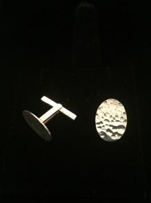 Manschettknappar i hamrat silver -