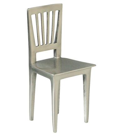 Hela Edblads verksamhet började med detta bokstöd i form av en stol som Hans Edblad började att producera i liten skala 1994.