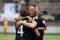 Johanna Almgen grattar Jodie Taylor efter målet