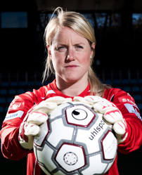 Kristin Hammarström vaktar målet mot Norge.