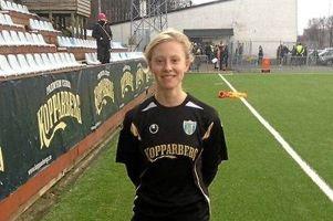 17-åriga anfallaren Rebecka Blomqvist klar för KGFC.