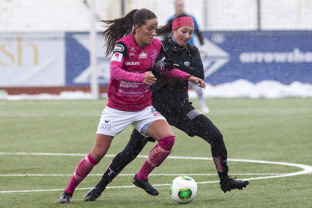 Senast KGFC mötte Jitex blev det seger med hela 9-0. Anna Ahlstrand var då en av dem som bidrog till segern. Foto: PER MONTINI