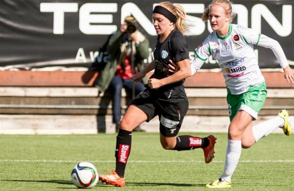 Elin Rubensson springer i från bevakningen under matchen mot Hammarby. Nu får hon chansen att göra likadant i VM. Foto: PER MONTINI