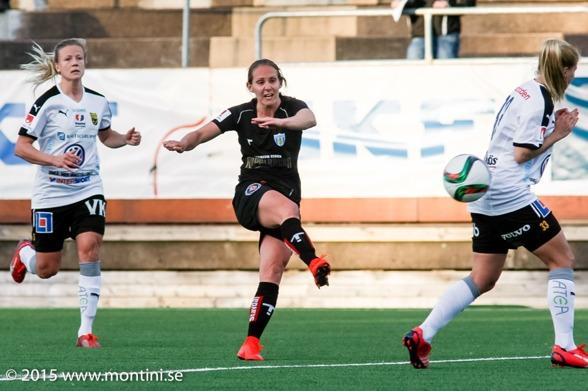 Manon Melis sköt snyggt in 1-0 till KGFC i slutet av den första halvleken. Men i andra halvlek rasade allt... Foto: PER MONTINI