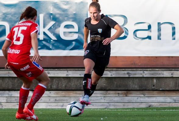 Manon Melis slog till med ett riktigt klassmål när KGFC slog tillbaka Linköping på Valhalla IP. Foto. PER MONTINI