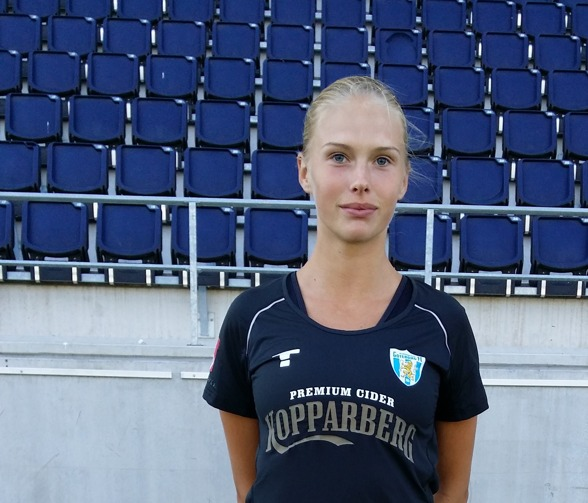 Cornelia Karlsson visade fighting spririt,vilja och moral mot Kungsbacka! Hon är en av många F19-spelare i KGFC som visar att de vill något med sin fotboll! Go, go, go!!!