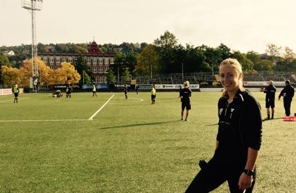 Loes Geurts, ännu vid sidan av lagets träningar. Men nu är hon på väg tillbaka big time... Foto: TORE LUND