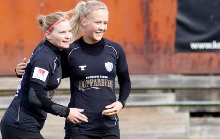 Glödheta Sara Lindén fortsätter att ösa in mål. Mot KDFF blev det två nya och änu en seger. Foto. PER MONTINI