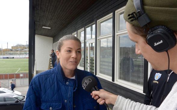 På veckans pressträff på Valhalla IP hamnade Pauline Hammarlund i centrum så klart – KGFC möter ju hennes gamla lag Piteå i premiären på söndag. Foto: TORE LUND