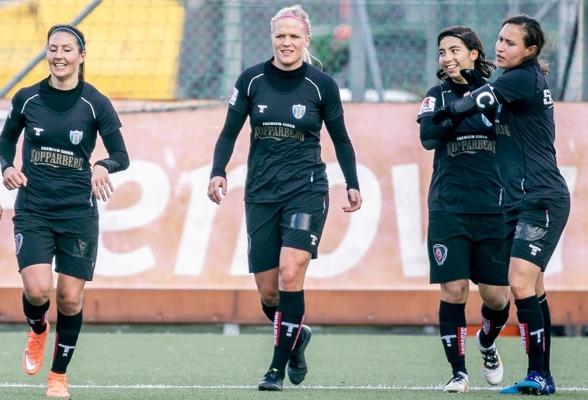 Fem mål av Annahita Zamainan i seriepremiären. I laget från a-truppen fanns också Anna Ahlstrand (1 mål), Kathlene Fernström, och Catrine Johansson (1 mål). Foto. jesper prytz
