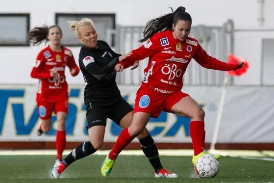 Nathalie Persson gjorde ett av målen när KGFC:s F19-lag på söndagen spelade 3-3 mot QBIK från Karlstad. (Bilden från det allsvenska mötet med Örebro) Foto: PER MONTINI