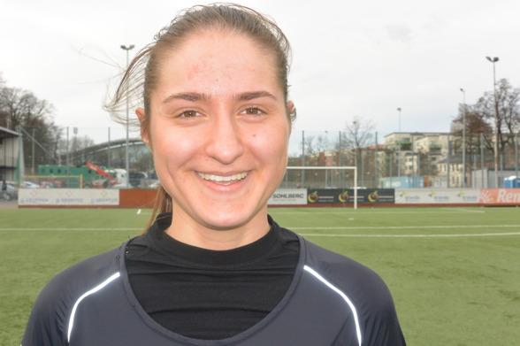 Irvina Bajramovic debuterade i damallsvenskan för en vecka sedan. Nu hoppas hon på mer speltid, redan på lördagen mot Vittsjö. Foto: TORE LUND