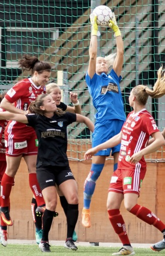 Fanny Lund var tillbaka i KGFC-målet. Foto: PER MONTINI