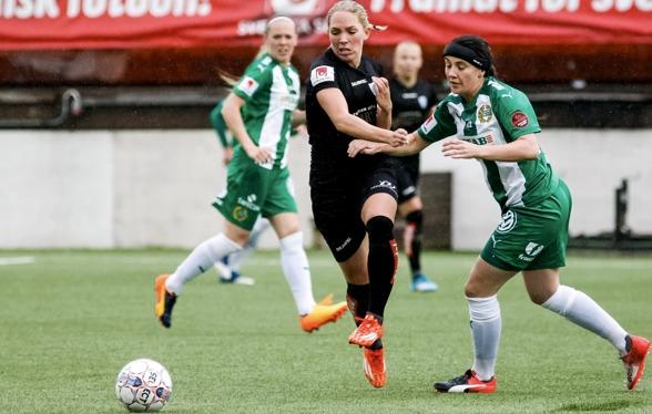 Eloin Rubensson var mycket besviken efter att KGFC tappat 3-0 till 3-3 mot Hammarby. Foto: PER MONTINI