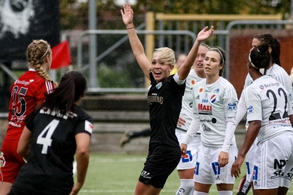 Elin Rubensson drev på laget och var en av de bästa på planen i söndagens match mot Kvarnsveden. Foto. PER MONTINI