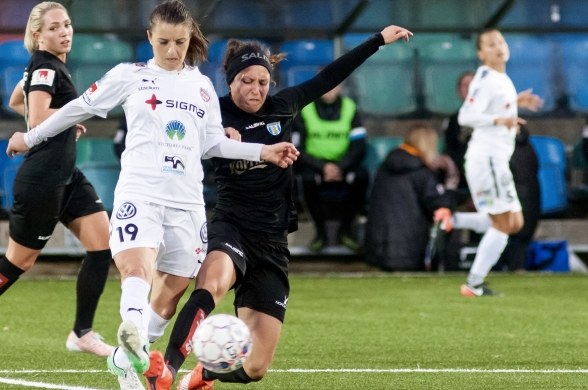 Catrine Johansson har prickat in formtoppen när det som bäst behövs, precis som hela KGFC:s spelartrupp. Foto. PER MONTINI