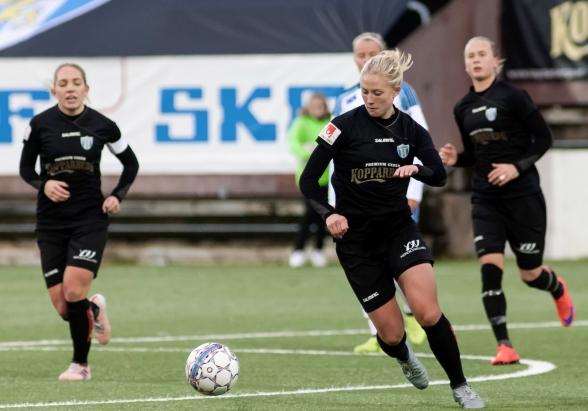 Rebecka Blomqvist gjorde årets sista mål för KGFC. Det räckte för tre sköna poäng. Foto: PER MONTINI