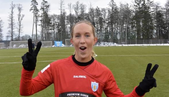 Julia Roddar visade varför hon spelar i det svenska landslaget. Gjorde en mycket bra tävlingsdebut för KGFC. Foto: TORE LUND