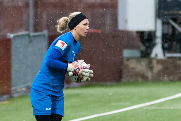Jennifer Falk gjorde efterlängtad comeback i träningsmatchen mot Rössö. Foto: PER MONTINI