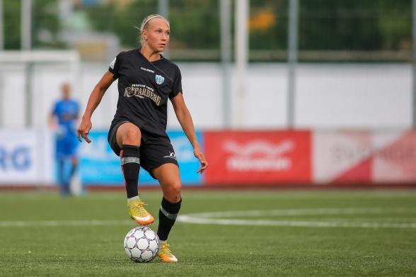 Härliga nyheter – Emma Koivisto blir kvar i KGFC i två år till. Foto.: PER MONTINI