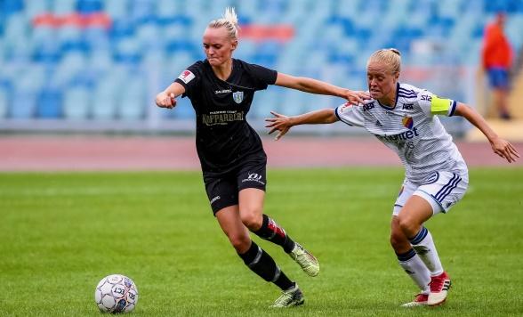 Emma Pennsäter in action mot Djurgården på Ullevi tidgare i höst. Foto: PER MONTINI