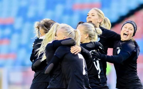Lördagens eufori lever fortfarande kvar, men nu väntar Lidköping i cupen. Sista matchen i år – och superviktigt med seger! Foto: PER MONTINI