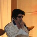 Elvis Presley kom också och framförde sin repertoar på banketten
