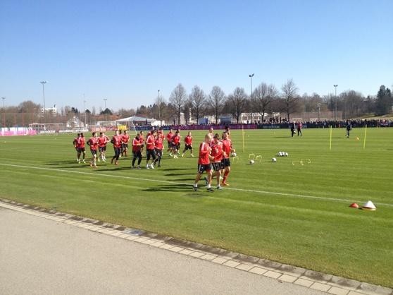 Bayern München under öppna träningen dagen efter Champions league mot Arenal. Foto Peter Lindau