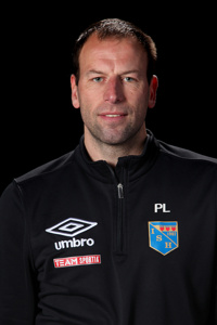 Halmias tränare Peter Lindau har en hel del att fundera på efter debaclet mot Qviding.