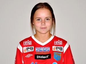 Isabelle Olsson svarade för hela fyra mål i fredagens seger mot Oskarström, segertåget rullar vidare i DM.