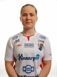 Vilma Rydell stod för två av matchens sju mål, varav det sista som betydde 5-0 var en riktig pärla på volley. Foto: Anders Nilsson