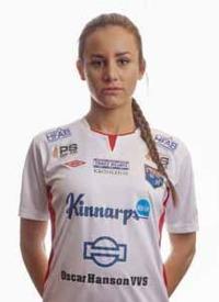 Matilda Olsson var inblandad i det mesta framåt när Halmia besegrade Stattena med klara 3-0. Foto: Anders Nilsson
