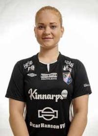 Halmias målvakt Isabel Sandström stod för flera viktiga ingripanden och räddade Halmia från en större förlust. Foto: Anders Nilsson