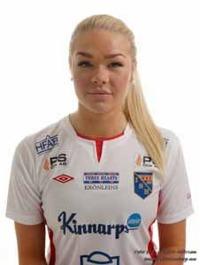 Matilde Abrahamsson stod för båda målen när Halmia besegrade Hittarps IK på bortaplan. Foto: Anders Nilsson