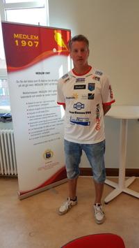Halmias assisterande tränare Anders Wallin trivs i föreningen och har signerat ett kontrakt över kommande säsong. Foto: Christoffer Andréasson