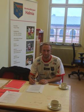 Alexander Sakac blev IS Halmias första nyförvärv inför säsongen 2017. Han ansluter från seriekonkurrenten Vinbergs IF. Foto: Leif Jönsson