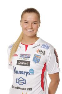 Festfixare. Amanda Johnsson Haahr stod för två mål och var dessutom den som ordnade straffen till det tredje målet. Foto: Sportfoto Syd