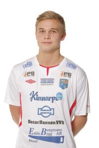 Adrian Hallsö var tillsammans med målvakten Andrée Pettersson några av få Halmianer som fick betyget godkänt idag. Foto: Sportfoto Syd