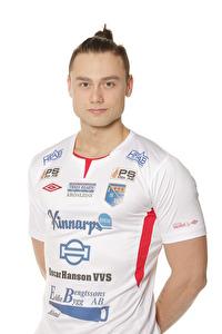 Vuk Lugonjic gjorde hattrick och tog över ledningen i skytteligan. Han blev också utsedd till matchens spelare och tilldelades ett pris av matchvärden SPA Halmstad. Foto: Sportfoto Syd