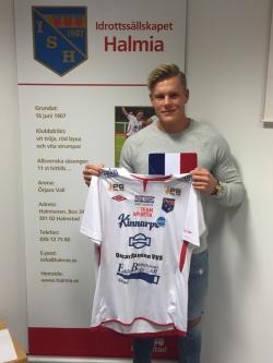 Emil Håkansson fortsätter i rödvitt. Foto: Leif Jönsson