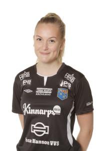 Sara Johnsson tilldelas Hallandspostens Lilla Dribblern. Foto: Sportfoto Syd
