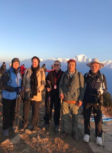 Mina systrar Anna & Kajza med vänner i Nepal 2018