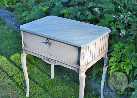 Byrå i Chalk Paint™ Antoinette Cream