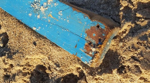Temadag Drivved, strand & hav. Kurs i Monicas Butik Falkenberg Halland där vi målar som drivved.