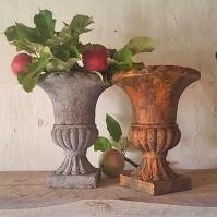 180922 Måla möbel - rost och betongeffekt.