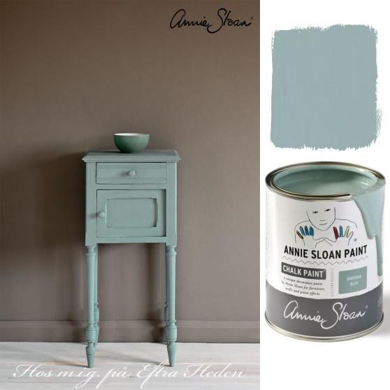 Svenska Blue, nya Chalk Paint kulör, finns i Monicas Butik. En vacker, sval, klassisk kulör som passar den svenska klassiska och lantliga stilen.
