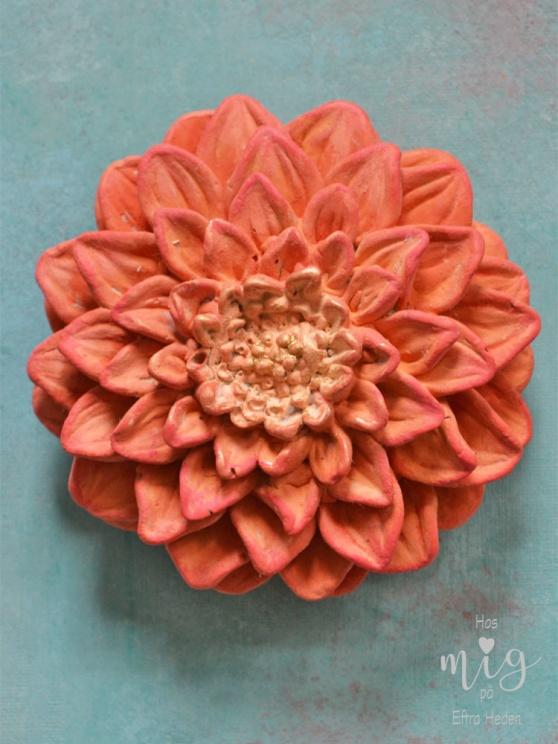 Annie Sloan Chalk Paint ger dina gjutna föremål liv. Du kan skapa effekter av rost och ärgad koppar.