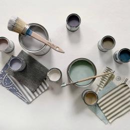 Annie Sloan Chalk Paint i provburk 120 ml. Färgen är dryg, en provburk räcker t.ex. till ett litet pelarbord eller en pinnstol.