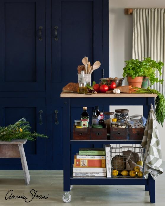 Måla om kök, köksluckor & köksbänkar med Annie Sloan Chalk Paint kalkfärg är hållbart, det ger en vacker & unik inredningsstil